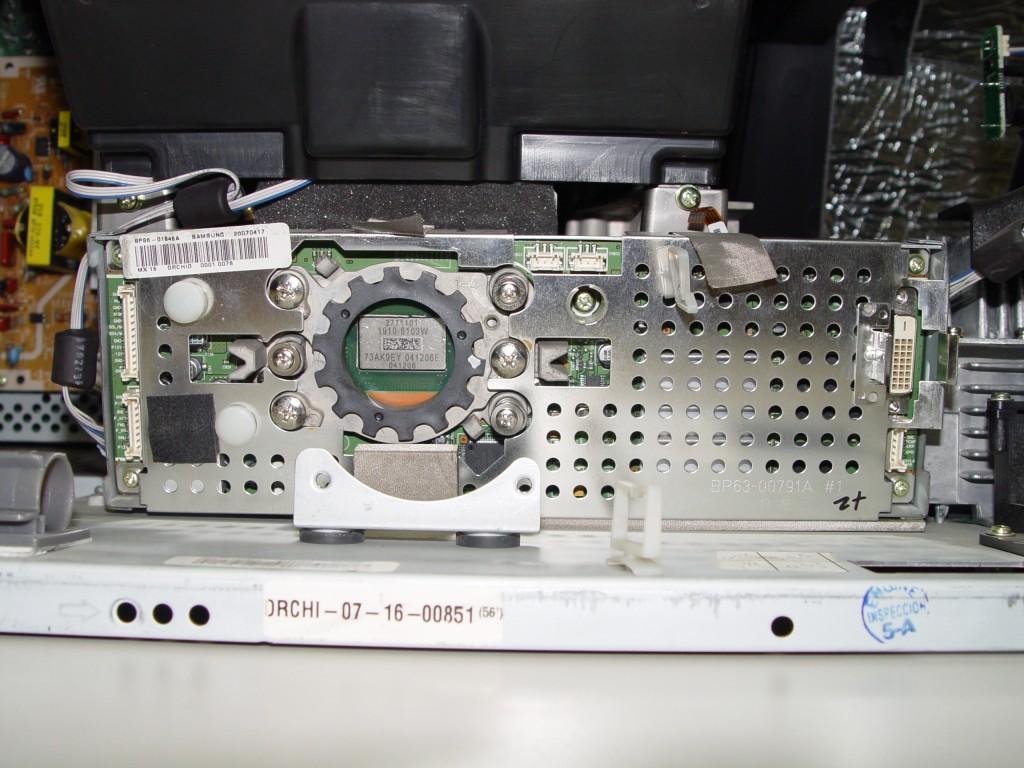 White Dots Mitsubishi Dlpdlp Tv Problem Fix Perfectbuys Toshiba Dlp 52hm95 Wiring Diagram 4719 001997 Chip